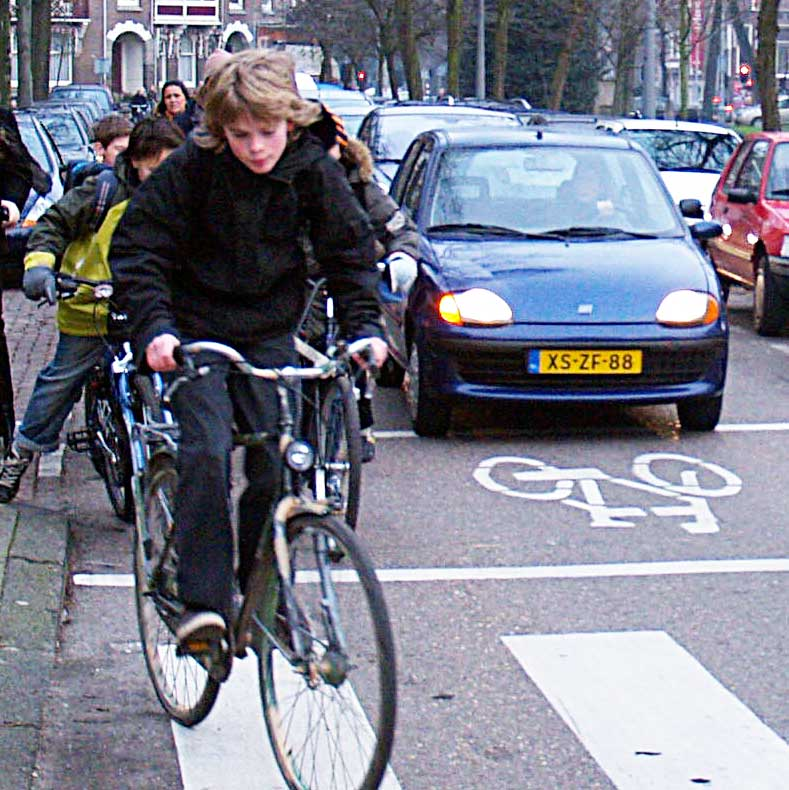 Cycling to school is widespread